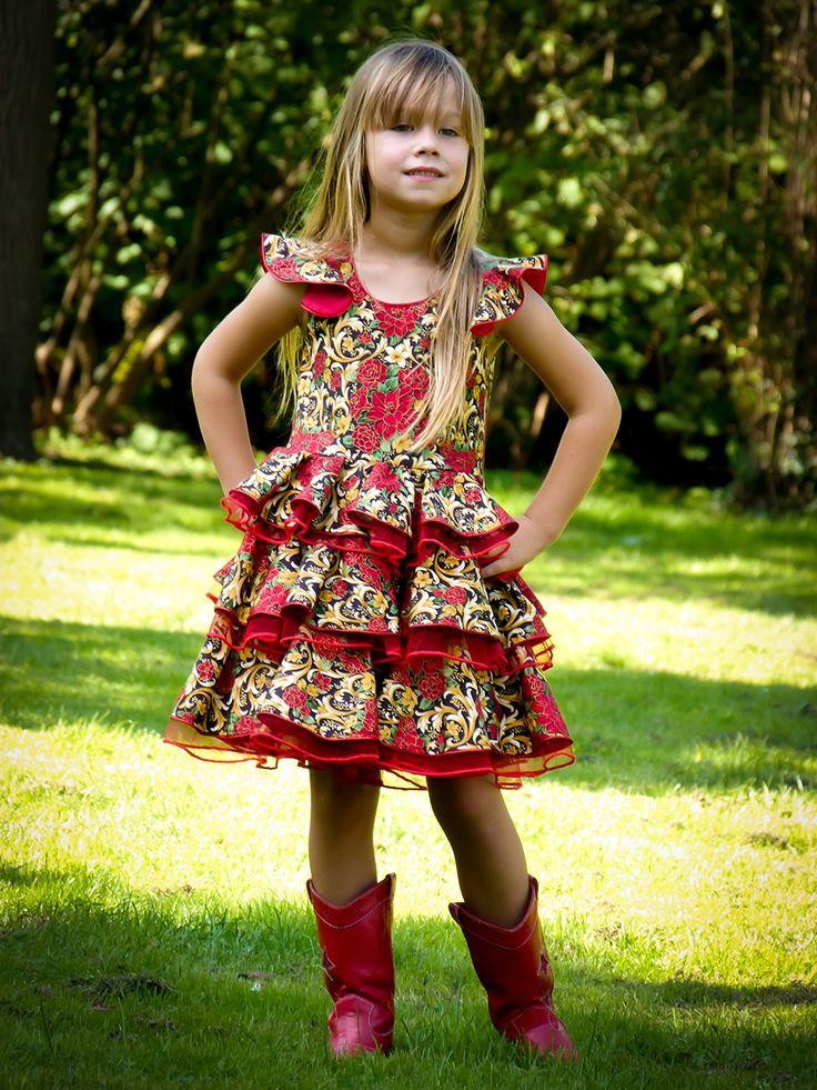 Lovely Miz Miz fotoshoot. Handmade dresses EUR size 122.