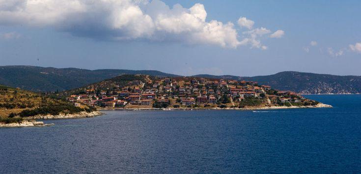 Pirgadikia is an amphitheater built village over the sea #halkidiki #Greece #Sithonia