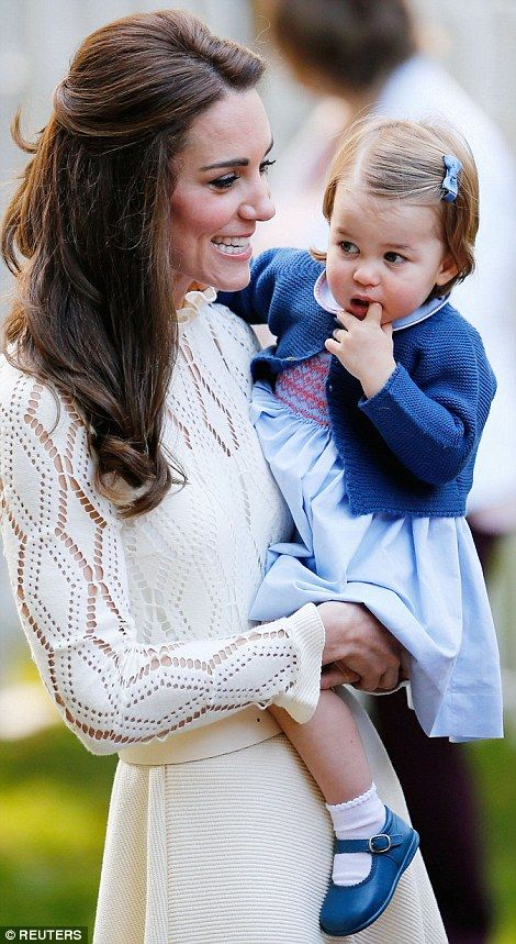 Pdailymail:  Canada Tour, Day 6, Children's Party, Government House, Victoria, British Columbia, September 29, 2016-Duchess of Cambridge and Princess Charlotte
