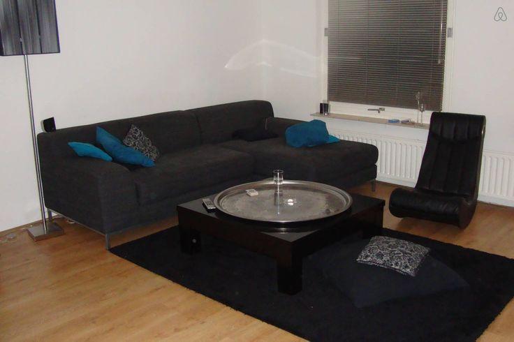 Amersfoort - 3 guests - €65 or €400 per week https://www.airbnb.com/rooms/5300339?guests=2