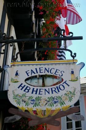 Faïences Henriot (Quimper)  Finistère Bretagne