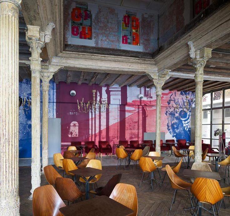 Ocaña Bar and Club in Barcelona / Ocaña