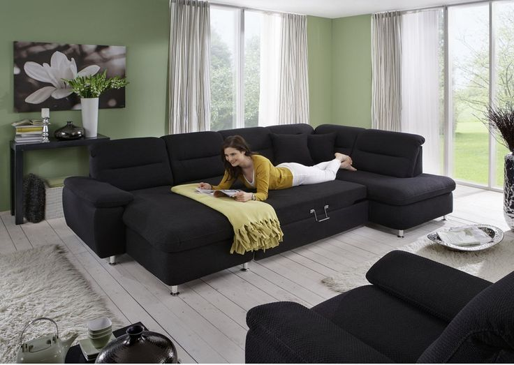 Современная модель, которая отвечает всем традиционным стандартам мягкой мебели и при этом, идет в ногу со временем. Создает атмосферу уюта и спокойствия в доме. Прочный каркас и качественная обивка, с возможностью сочетания нескольких сортов тканей, прослужат  долгие годы.  Полный набор всех необходимых удобств  — функция плавающих подголовников, высокие ножки, ортопедический матрас спинки и сиденья,  опция для встроенной кровати, ящика и регулируемого подлокотника!