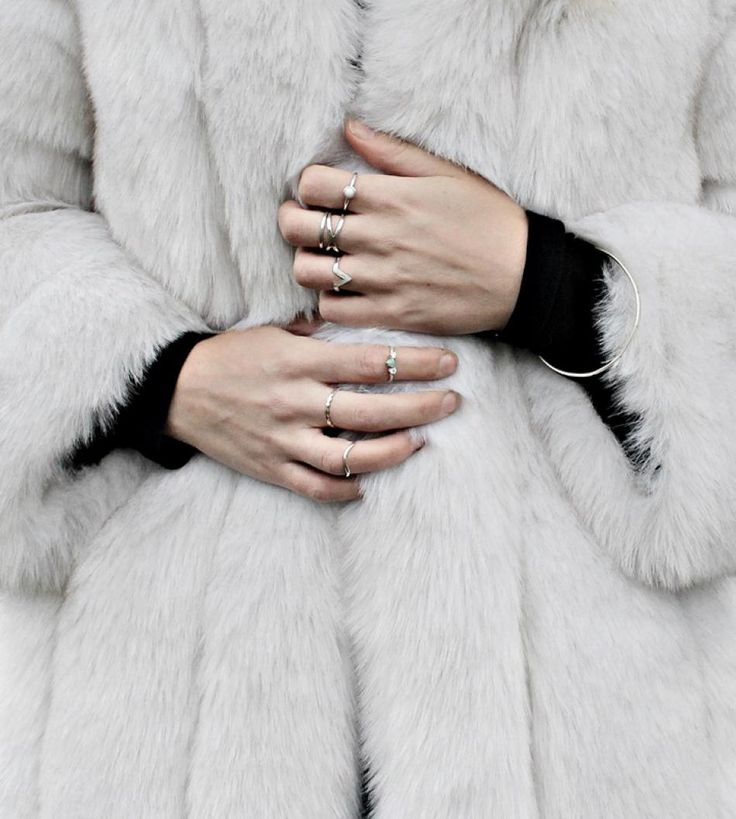 fingerrings, fur, diy, style, inspo, outfit