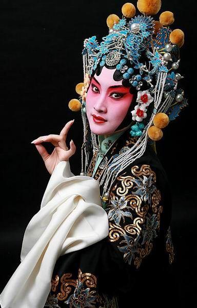 Essay on Peking Opera