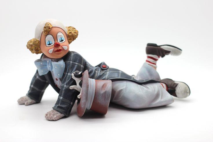 The Red Haired Boy  http://thecollectorsboutique.com/en/63-the-art-of-enchantment  #decoration #sale #porcelain #home decor #clown #figurine