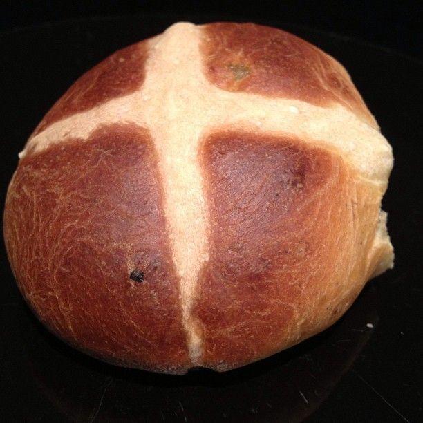Spelt hot cross bun - not bad for a 1st attempt #lowfodmap #dairyfree #Padgram