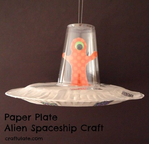 Paper Plate Alien Spaceship Craft - a fun craft for kids to make, #knutselen, kinderen, basisschool, kleuter, ruimteschip van papieren borden en plastic beker, tutorial, recycle, DIY, ruimte, alien