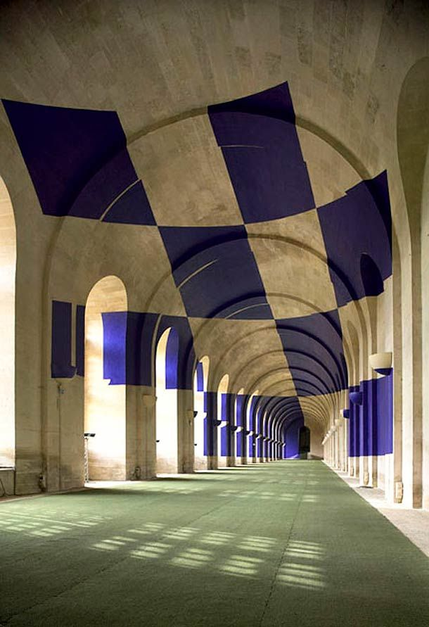 Les Installations en Anamorphose de Felice Varini SIDE