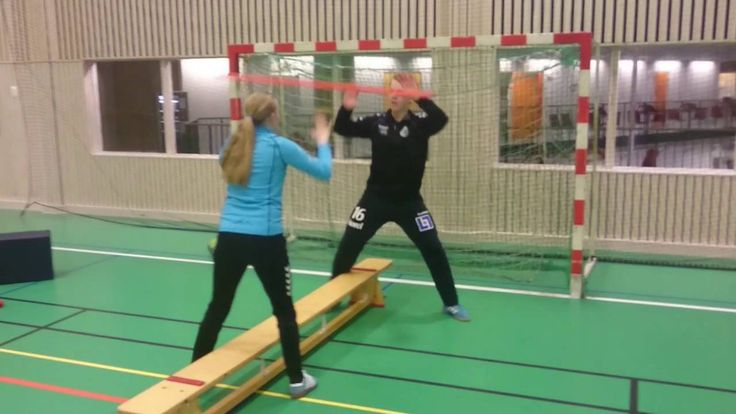 Handball goalkeeper technique coordination tips!