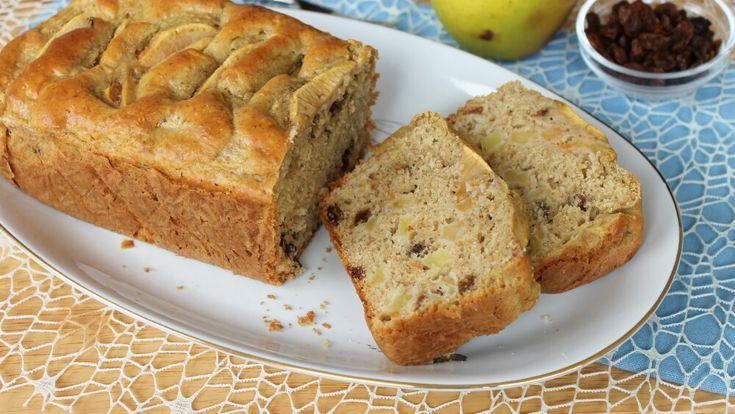 La torta di mele e cannella con uvetta ha le sembianze di un plumcake ed una sofficità invidiabile. Il profumo di cannella la rende speciale.