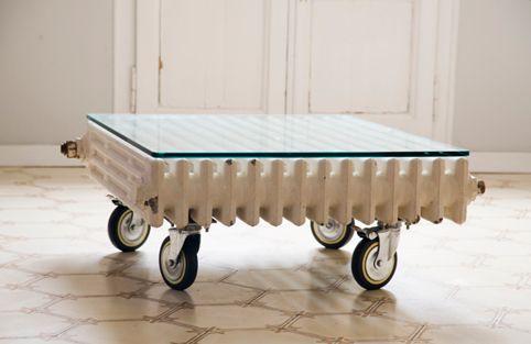 Mesa hecha con radiador reciclado
