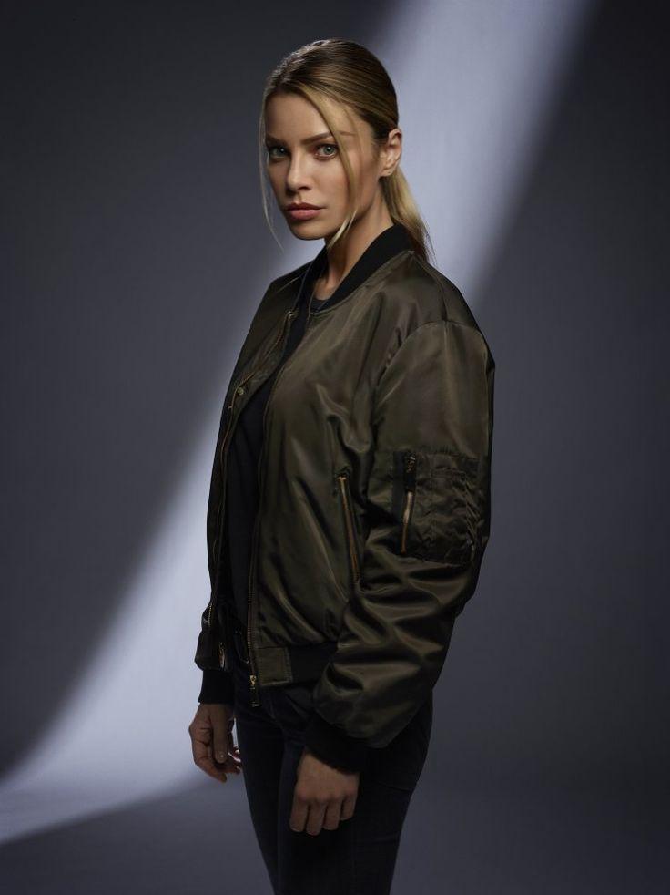 Lauren German in Lucifer Season 2