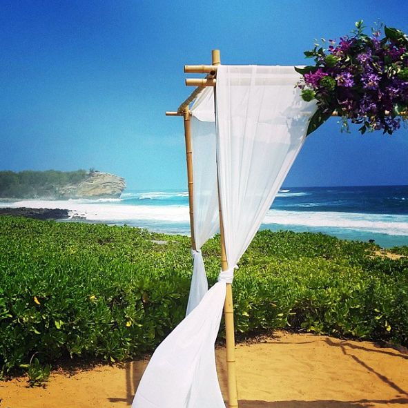 At Grand Hyatt Kauai, all you need to do is write your vows.