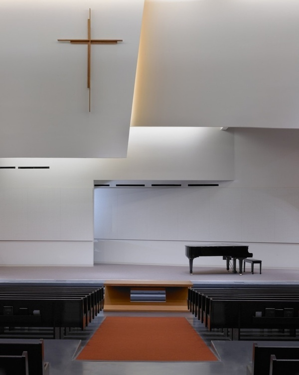 Scarborough Chinese Baptist Church / Teeple Architects