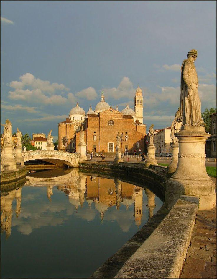 Prato della Valle, main square in Padua #Italy   Get travel tips -> www.gadders.eu/destination/place/Padua