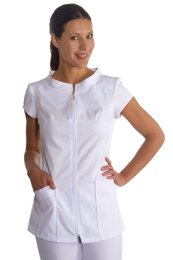 Chaqueta DYNEKE 8667-700 para esteticistas y profesionales de la salud, de diseño muy favorecedor, con cuello ancho. http://www.dyneke.com/chaquetas-sanidad-ropa-laboral