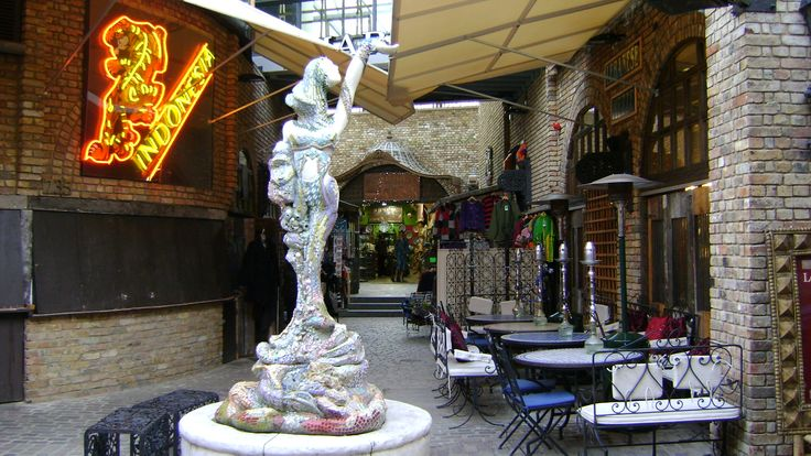 Camden market, London, 2009, lovely times, indeed...