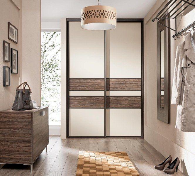 Встроенный шкаф-купе в прихожую (57 фото): виды и материалы http://happymodern.ru/vstroennyj-shkaf-kupe-v-prixozhuyu-foto-vidy-i-materialy/ Стильный шкаф с деревянными вставками на дверях