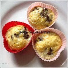 Eimuffin met braadworst en kaas - Slank4u2