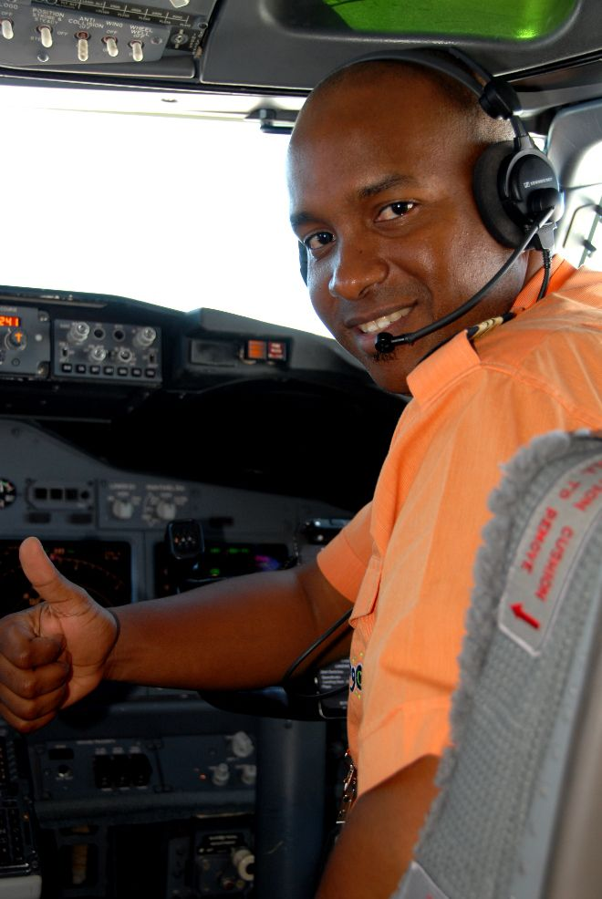 Mango Airlines pilot giving the thumbs up signal