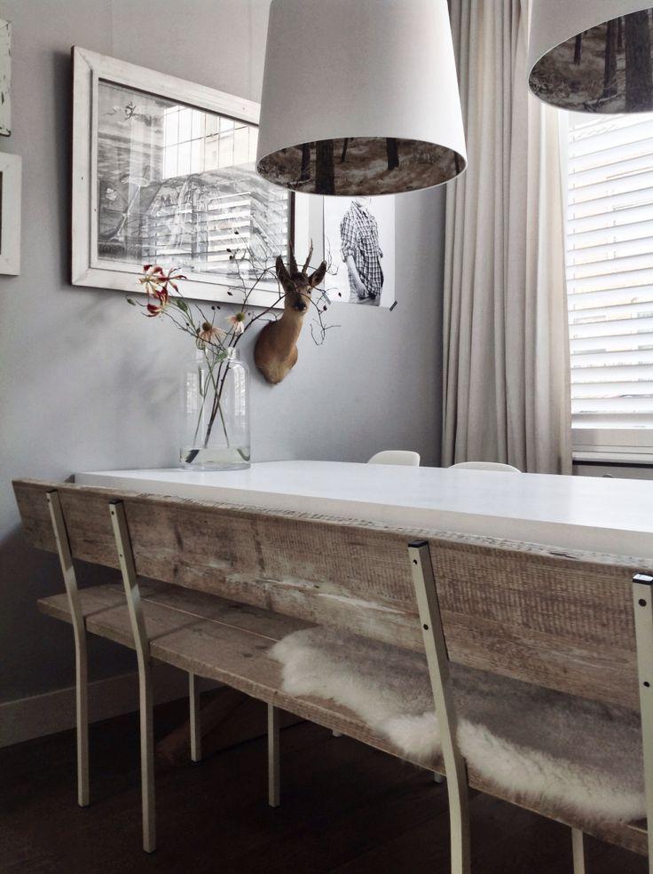 Bankje gemaakt van metalen frame met steigerhouten planken. Te verkrijgen via marktplaats bij huis PARDIJS.