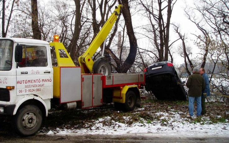 Kimentjük autódat a legrosszabb helyzetekből is! Hívj minket akár éjjel-nappal: 06 30 222 2660  http://automentomano.hu/