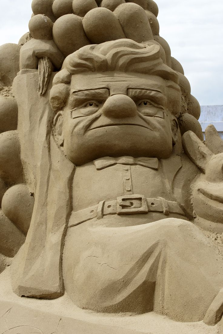 Best Sand Sculpture Images On Pinterest Sculptures Ice Art - This towering sand sculpture just broke the world record for the tallest ever sandcastle