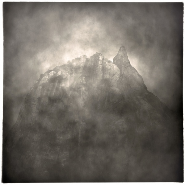 Lu Yanpeng - A chinese photographer represented by the See+ Gallery. The light in this image is other worldly. I love the textures, this is a photograph that is more about feeling than representation. Stunning and inspirational work from a fine photographer.