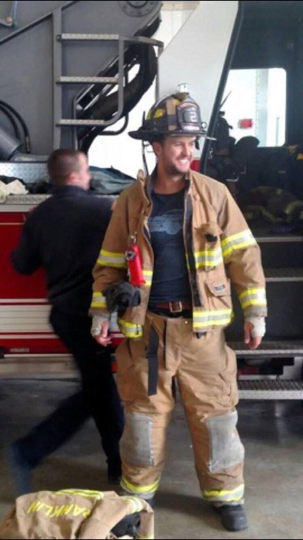 Luke Bryan - Volunteered At Franklin Fire Station #2 - Franklin, Tennessee - February 29, 2016