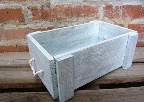 Dřevěná bedna Dřevěná bedýnka o rozměrech 29x16x9cm.