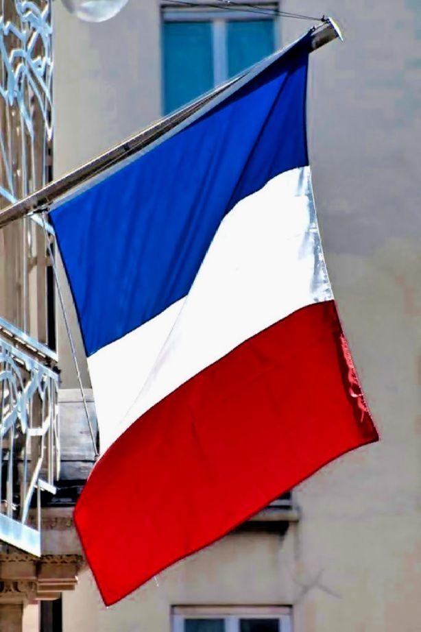 13 Novembre 2015. Paris. France. Avec une profonde douleur.  (((
