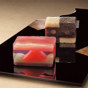 吉祥縁起の赤富士を見事に表現した羊羹。【銘菓撰】