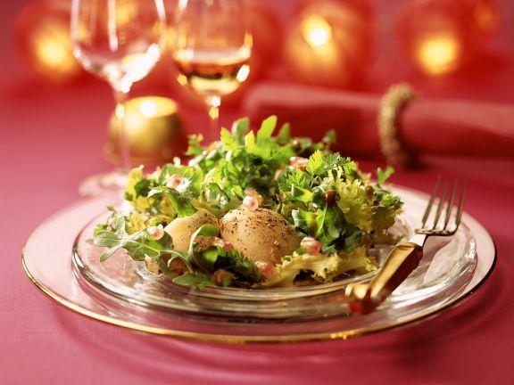 Salat mit Gänseleberpastete ist ein Rezept mit frischen Zutaten aus der Kategorie Gans. Probieren Sie dieses und weitere Rezepte von EAT SMARTER!