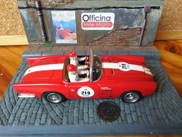 """Pic by Franchu from Sabadell (Barcelona) Diorama """"Cobblestone Street"""" (resin pieces_1/32 scale) hand painted   #scalextric #resin #diorama #wrc #rally #wec #lemans #panamericana #slot #toy #hobby #modelism #miniature #modelismo #classiccar #diecast #hotwheels #132scale #pegaso #street #cooblestone #calle #adoquines #topslot  #modelcar"""