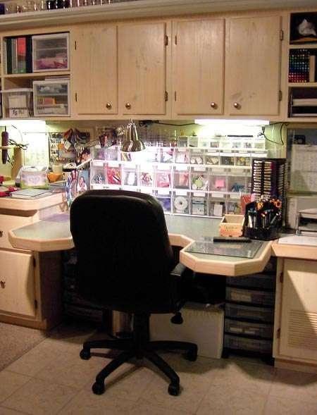 craft desk...very cool!!!