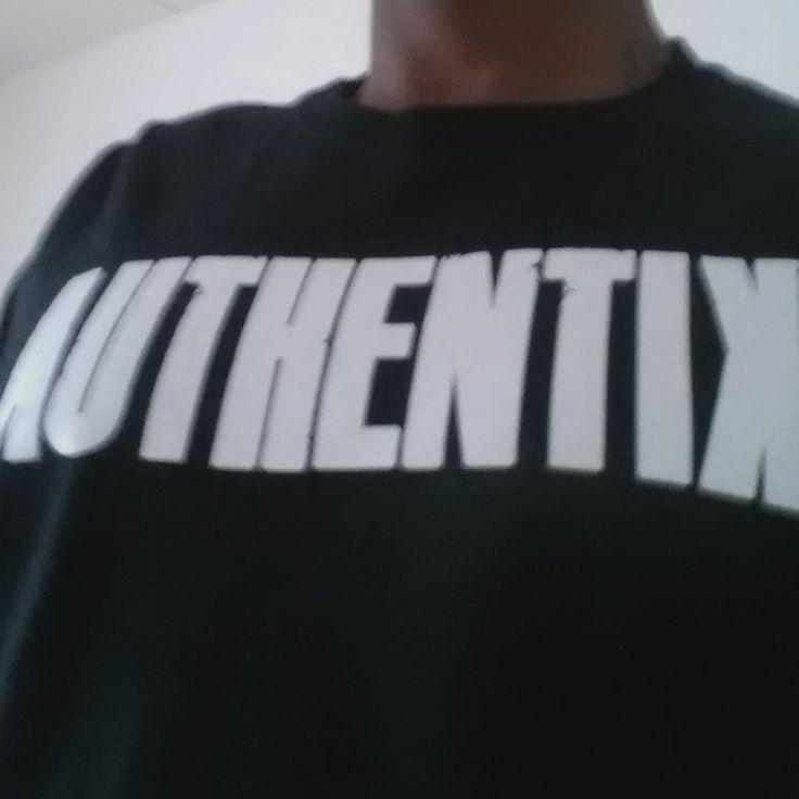 Authentik T-Shirt