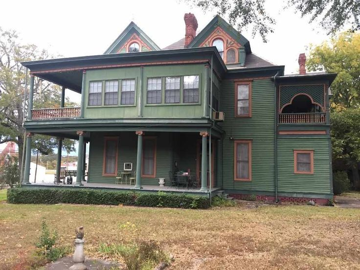 1902 Queen Anne - Monticello, AR - $140,000 - Old House Dreams