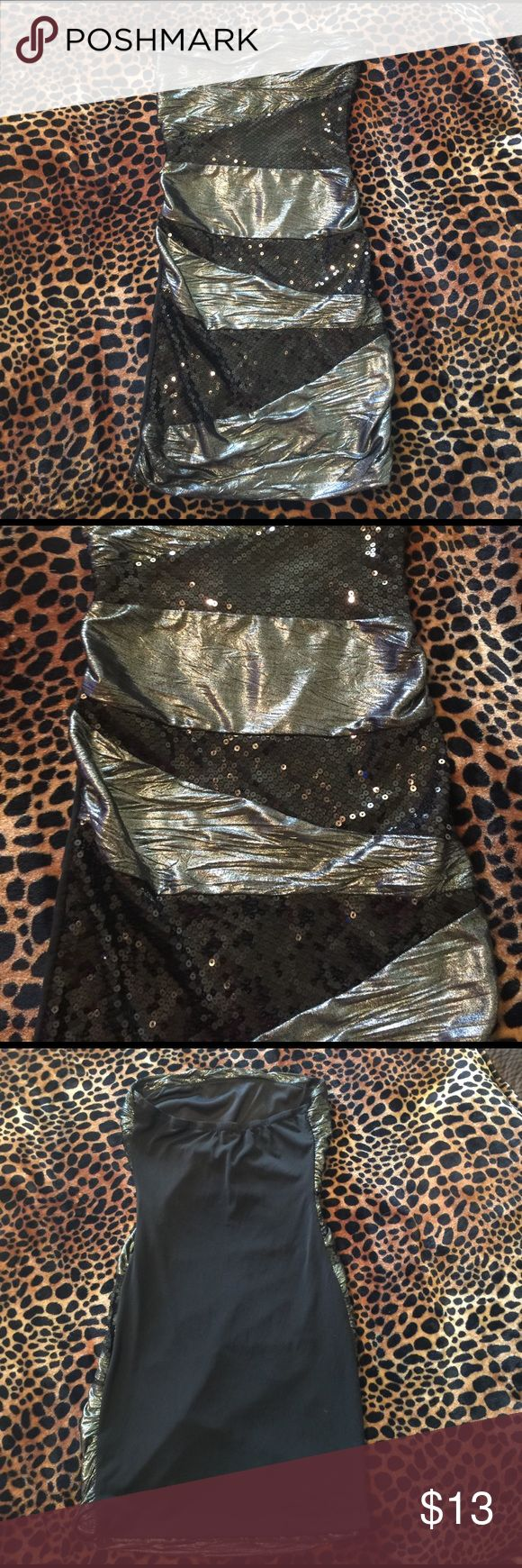 Black and silver sequin party dress Very similar to Bebe brand. Short, strapless, silver and black sequined stretch Vegas party dress beb Dresses Mini