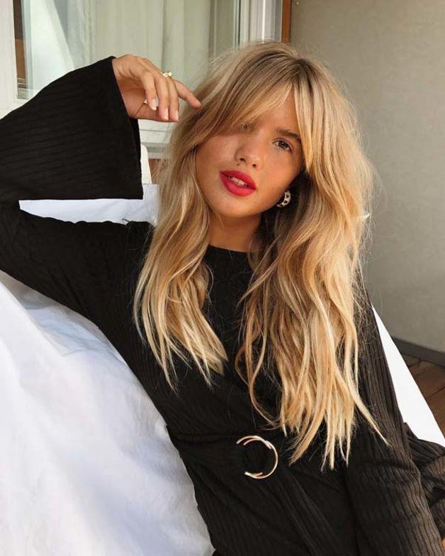 Curtain Bangs : La frange rideau fait partie des tops recherches sur Instagram et Pinterest