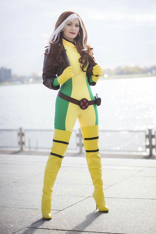 Rogue X-Men cosplay! Wear this to #FanX16