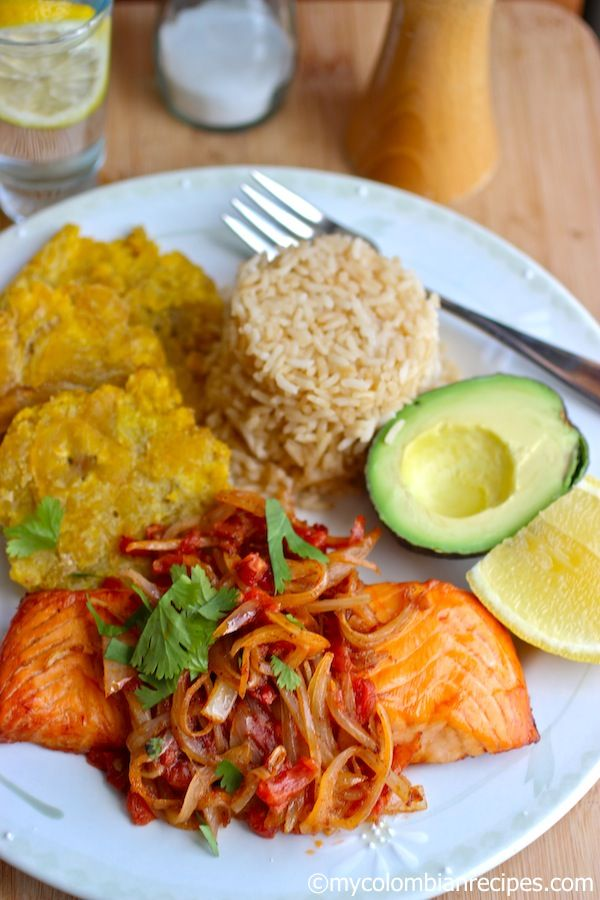 Pescado a la Criolla (Fish with Creole Sauce)