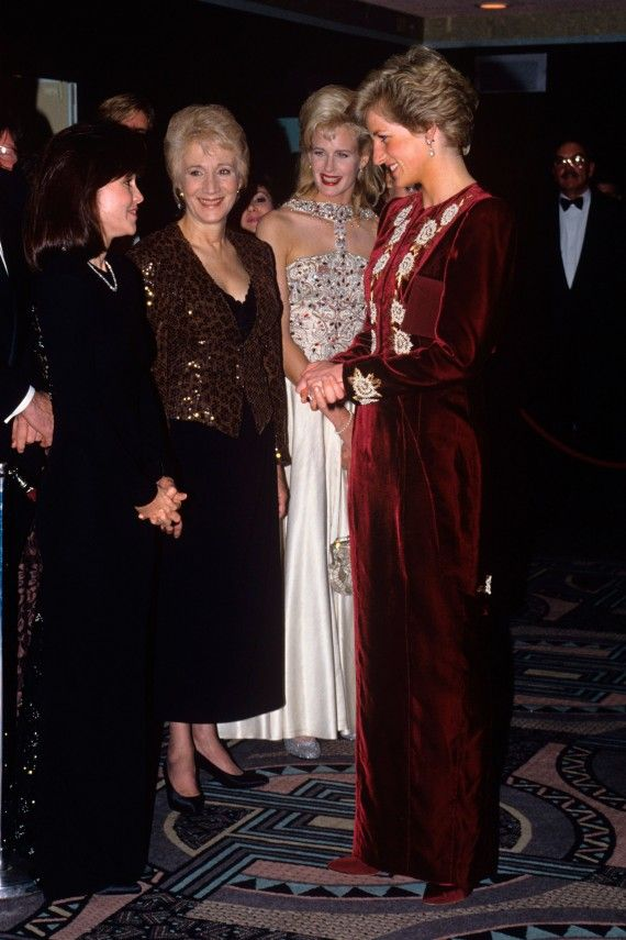 Diana at the film premiere of Steel Magnolias in aid of the Prince's Trust in 1990.  Speaking with Sally Fields, Olympia Dukakis and Daryl Hannah in white.  Daryl dated John F. Kennedy, Jr., on and off from 1989 to 1994.