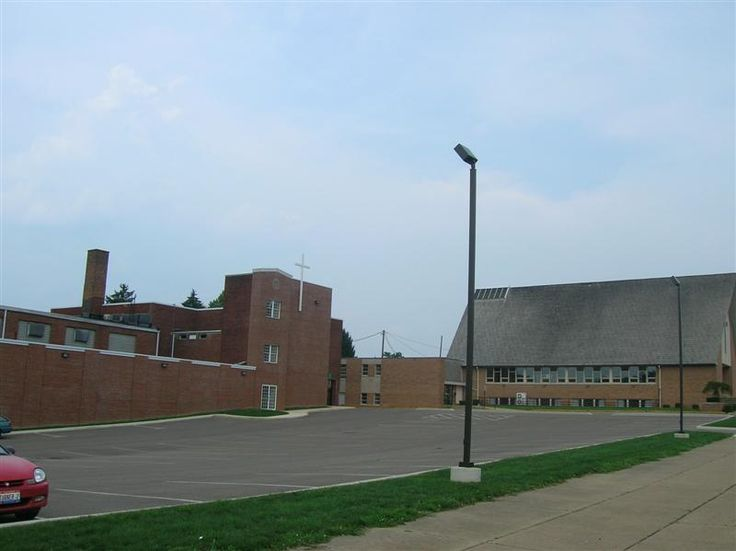 Parking lot where BROWN HIGH SCHOOL stood on Steubenville Avenue. On the left is the rebuilt McMahon Gymnasium (fire), purchased by St. Benedict school after the Cambridge Junior High School (former Brown High) was razed around 2005.