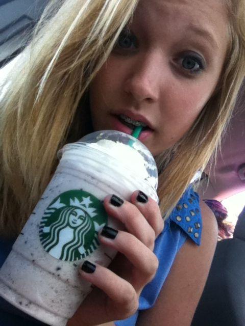 Starbucks captain crunch berries frappé!!! ❤