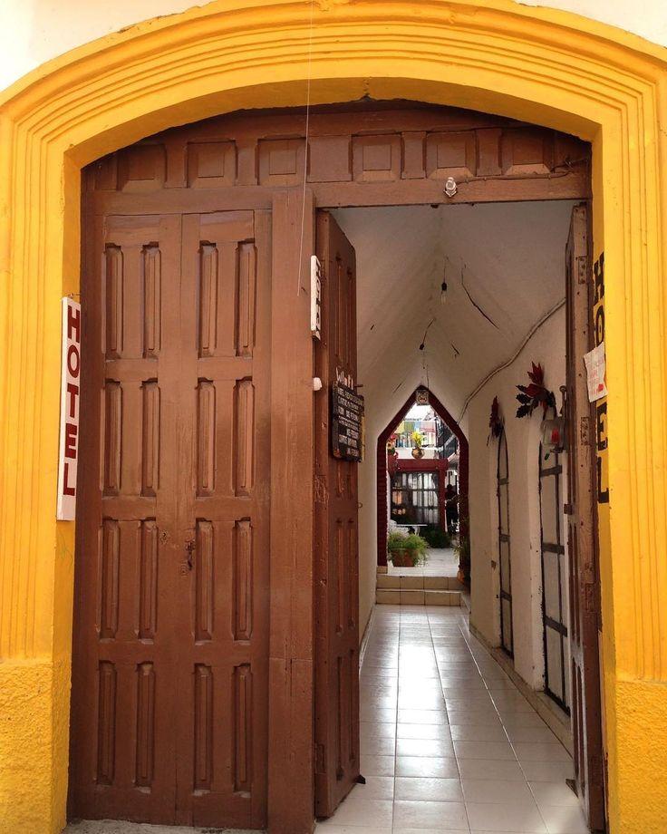 Hotel.... . . . #sancristobaldelascasas #chiapas #mexico  #adventureFoodBeer #world_photography_club #natgeo #lonelyplanet #worldnomads #thisisadventure #travel #explore #natgeotravel #nakedplanet #travelgram #travel #traveler #photooftheday #visitmexico #igers #igersmexico #mexico_maravilloso #mexicodesconocido #viajeromd #viajeroexpertomd #mexico_greatshots #NatGeoMx #fiercetravels #wonderful_places #bestplacestogo