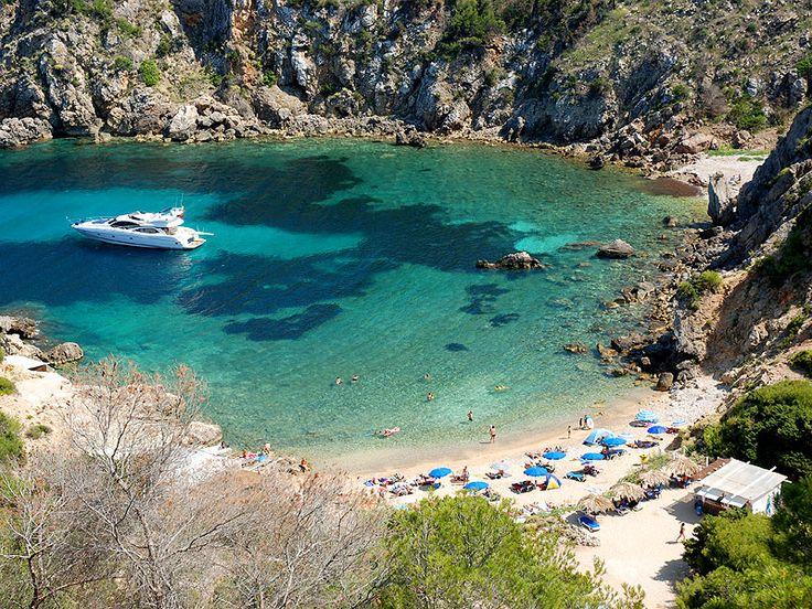 5 verborgen droombaaien op Ibiza