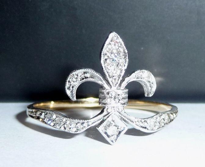 Bague 585 antique en diamant en forme d'une fleur de lys taille 56 = 17,8 mm