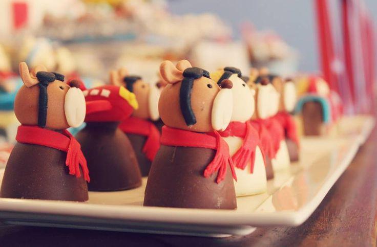 Bombom de chocolate trufado do ursinho aviador
