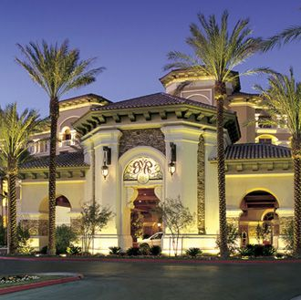 las vegas hotels near hooters